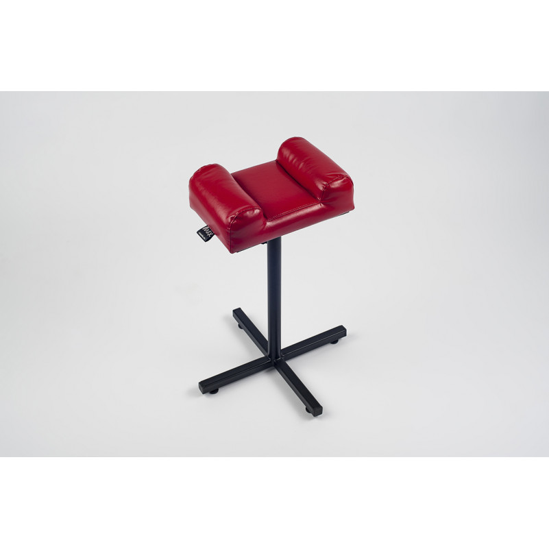 Классическая подставка для педикюра Max. Подушка с боковыми валиками. Цвет подушки: красный